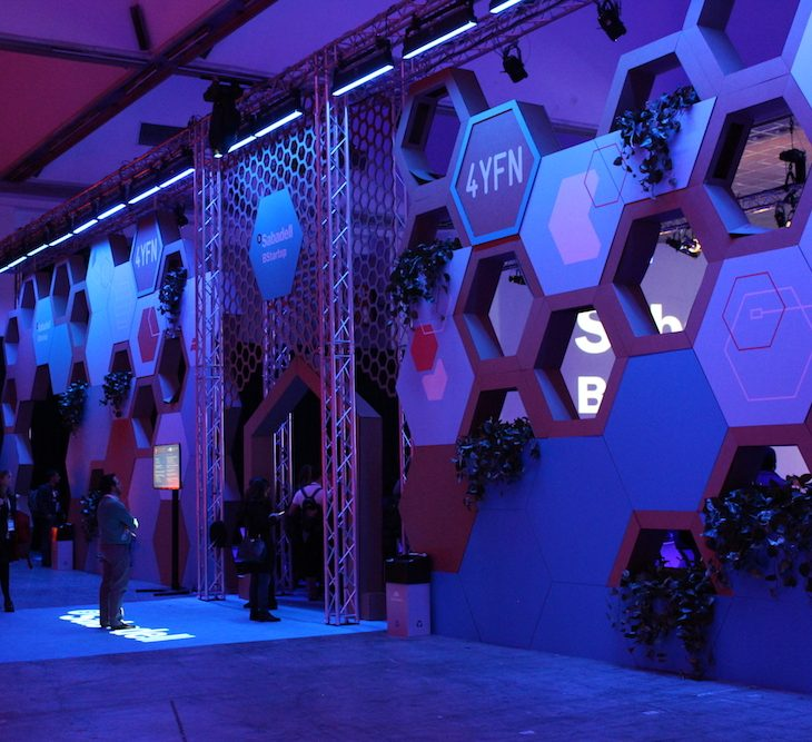 The entrance to the Banco Sabadell BStartup Stage at 4YFN Barcelona 2018