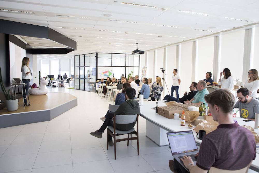 Lunch-and-learns-in-the-Alpha-Telefonica-offices-Barcelona